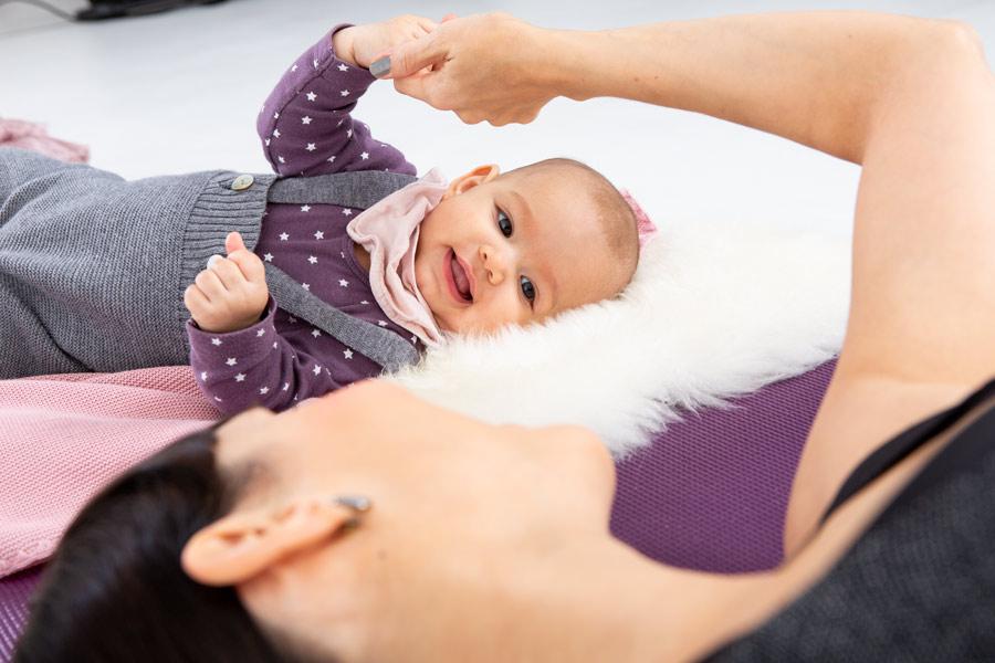 Babymassage bei GLÜCKSMAMA